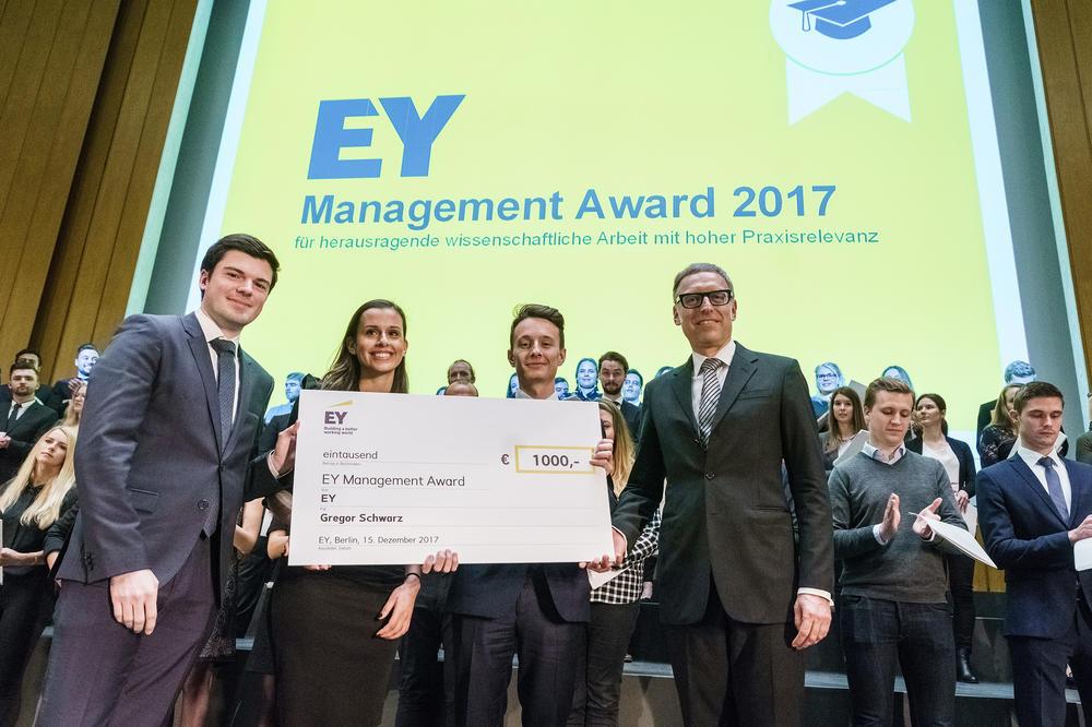 ey management award management marketing fachbereich. Black Bedroom Furniture Sets. Home Design Ideas